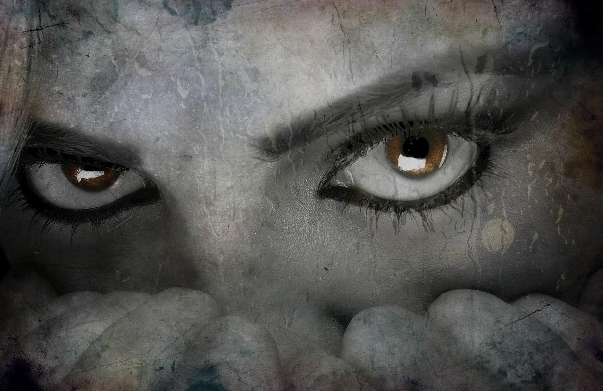Jak poradzić sobie psychicznie z kryzysem medialnym